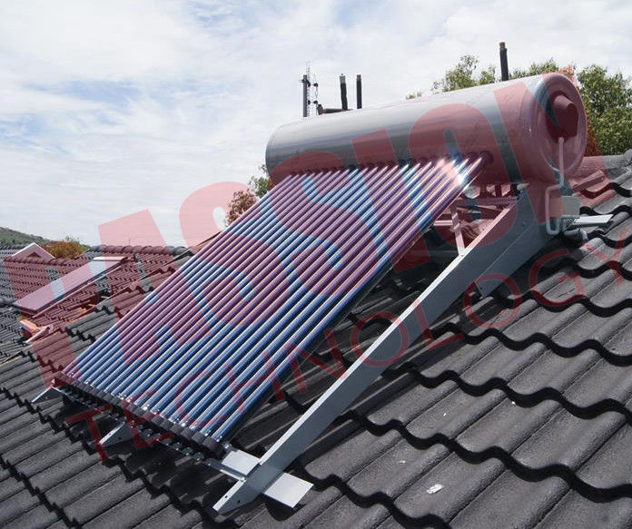 Integrated Pressurized Rooftop Solar Water Heater Silver Steel Outer Tank